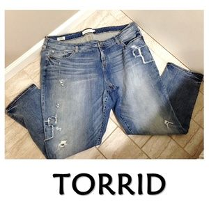 TORRID Distressed Boyfriend Jeans Plus Size 26